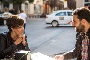 Adrián Cordellat periodista freelance Madrid entrevistando